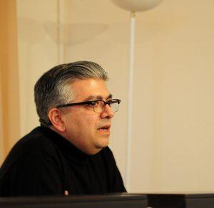 Un article de Carol Saba, en arabe et en anglais, sur l'assemblée clérico-laïque consultative du Patriarcat d'Antioche qui s'ouvre le 25 juin au Liban
