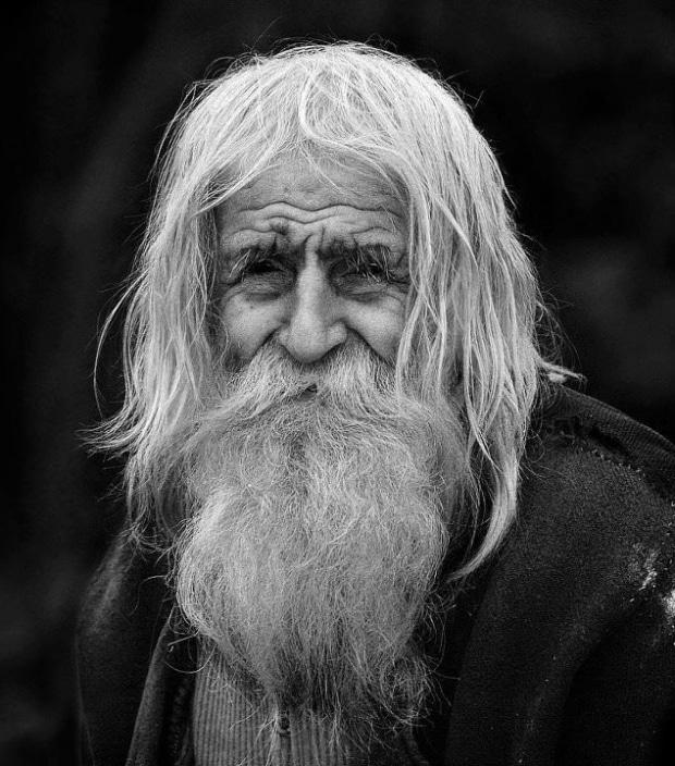 «Bulgarie : mendiant, centenaire, et plus gros donateur de l'Eglise»
