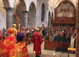 Une liturgie orthodoxe a été célébrée à l'abbaye Saint-Maurice d'Agaune en Valais