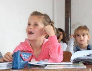 Chantier humanitaire en faveur de la rénovation d'établissements scolaires chrétiens au Kosovo-Métochie