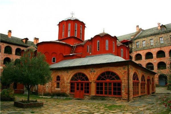 L'ouverture d'une section d'études islamiques à l'Université de Thessalonique provoque les protestations de moines athonites
