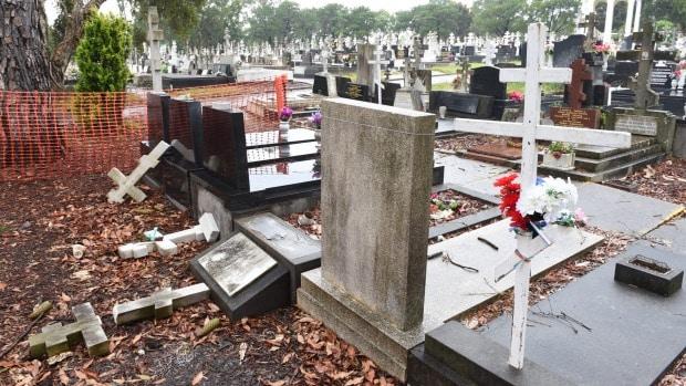Des inconnus ont profané 76 tombes de la parcelle russe et serbe du cimetière de Rookwood à Sydney