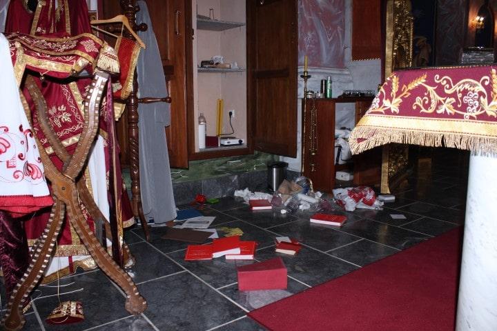 Profanation de l'église orthodoxe de Karlovac (Croatie)