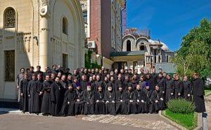 Lors de la clôture de l'année académique du séminaire Sretensky de Moscou, le recteur a appelé les futurs prêtres à ne pas délaisser la lecture des Pères de l'Église