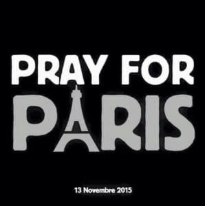 Le-slogan-Pray-for-Paris-apres-les-attentats-commis-a-Paris-le-13-novembre-2015_exact1024x768_p