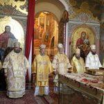 À l'occasion du quatrième centenaire de l'Académie ecclésiastique de Kiev, les représentants des Églises locales orthodoxes ont participé à la liturgie à la laure des Grottes de Kiev