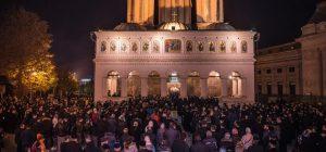 Prière pour la paix et l'unité en la cathédrale de Bucarest