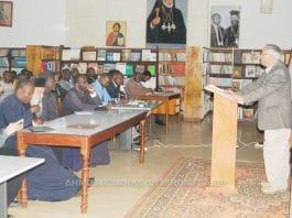 Le professeur Paul Meyendorff (Église orthodoxe d'Amérique) et le hiéromoine Romain (Église de Finlande) ont rendu visite à la Faculté de théologie du diocèse du Kenya du Patriarcat d'Alexandrie