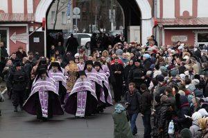 Plus de 50.000 fidèles ont vénéré à Moscou les reliques de saint Luc de Simféropol