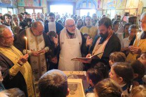 Vidéo: la consécration de l'église au camp de l'Acer-Mjo à la Servagère
