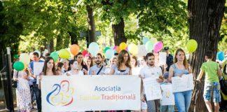 Approbation de l'initiative des 3 millions de Roumains concernant la famille traditionnelle