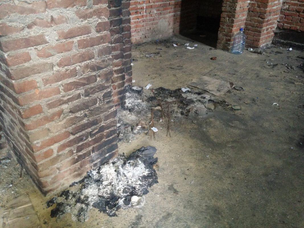 La cathédrale du Christ-Sauveur à Pristina incendiée