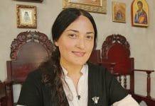 « Un livre lumineux d'où jaillit la louange », un entretien avec Nana Peradze