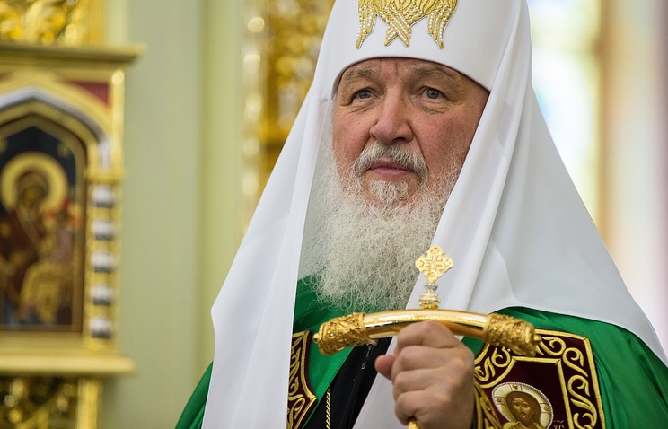 Patriarch Kirill of Moscow calls bishops to pay attention to priests' families