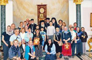 Rencontre des pèlerins avec le 9atriarche Théophile III de Jérusalem