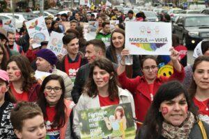 Des milliers de Bucarestois ont participé à la «marche pour la vie»
