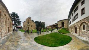 Nouvelles menaces contre le monastère de Dečani (Kosovo)