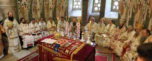 Liturgie patriarcale au monastère de Peć (Kosovo) à la veille du début de l'Assemblée des évêques de l'Église orthodoxe serbe