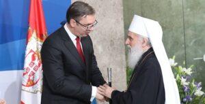 Le patriarche de Serbie Irénée et plusieurs hiérarques de l'Église orthodoxe serbe ont assisté à la cérémonie d'entrée en fonction du président serbe Alexandre Vučić