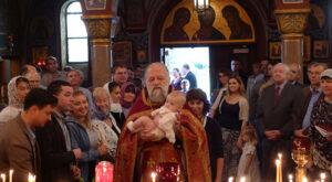 L'archiprêtre Victor Potapov, recteur de la paroisse de Washington de l'Église orthodoxe russe hors-frontières: «Je crois que la réunification de l'Église russe a été le résultat des prières de saint Jean de Changhaï»