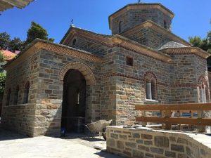 Des disciples de saint Païssios construisent sur le Mont Athos une église qui lui sera dédiée