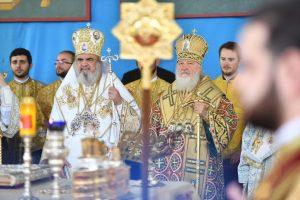 Célébration solennelle de la fête de saint Dimitri le Nouveau à Bucarest