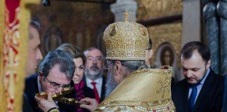 Les ambassadeurs en Ukraine prient à la laure des Grottes de Kiev