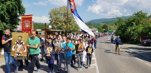 Plus de 100 000 personnes sont venues en pèlerinage au monastère d'Ostrog à l'occasion de la fête de saint Basile
