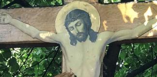 À Kiev, une Croix a exsudé de l'huile parfumée lors d'un office pour la préservation des valeurs familiales chrétiennes