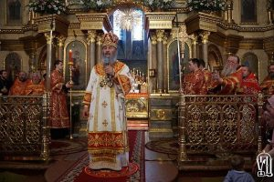 Metropolitan Onufriy to politicians: mind your own business.