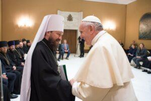 Une délégation de l'Église orthodoxe russe conduite par le métropolite Hilarion de Volokolamsk a rencontré le pape François