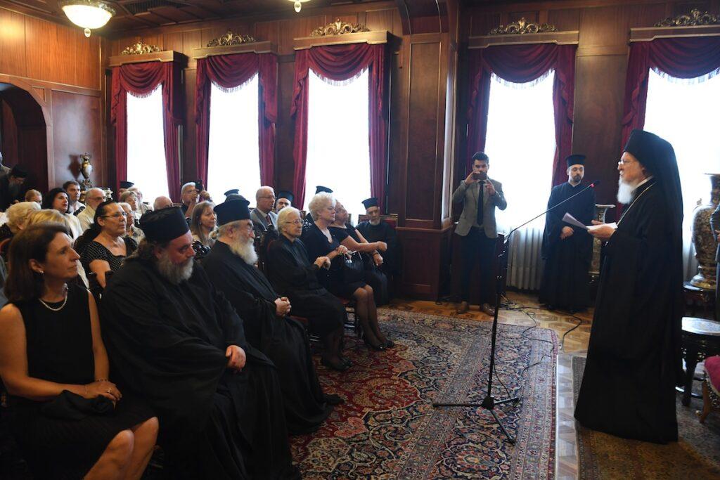 Le patriarche Bartholomée : « Nous souhaitons le rétablissement de l'unité du corps ecclésial divisé en Ukraine ».