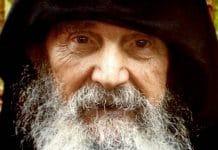 Un film vidéo sur le père Éphrem (Moraïtis) et son monastère en Arizona