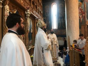 More than 100 children participated in the liturgy celebrated by Metropolitan Joseph at Caraiman monastery