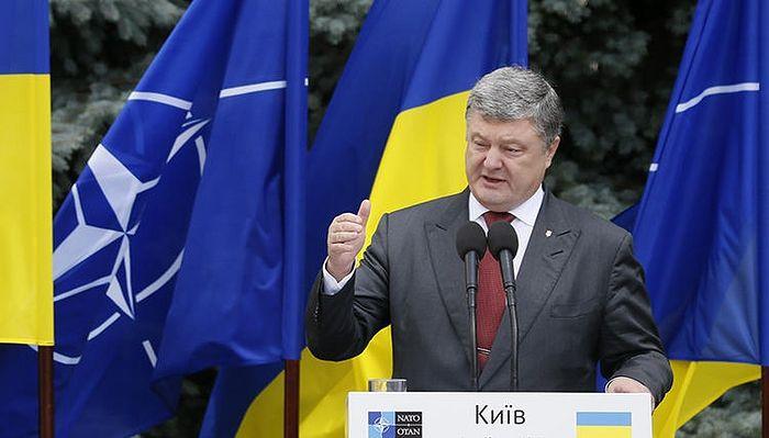 Porochenko a annoncé vouloir mettre fin à la relation «contre nature» entre les Églises d'Ukraine et de Russie