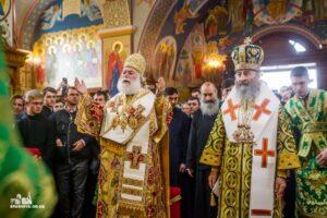 Le pape et patriarche d'Alexandrie Théodore II et le métropolite de Kiev Onuphre ont concélébré la liturgie au monastère de la Dormition à Odessa