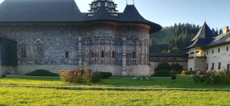 "Film: ""Romania, the sacred beauty of painted monasteries"""