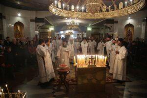Un office de requiem a été célébré par le métropolite Cyrille et l'archevêque Michel à Ekaterinbourg pour les héros de l'Armée blanche