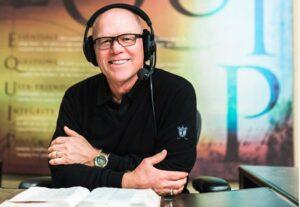 Hank Hanegraaff annonce que son cancer est en rémission