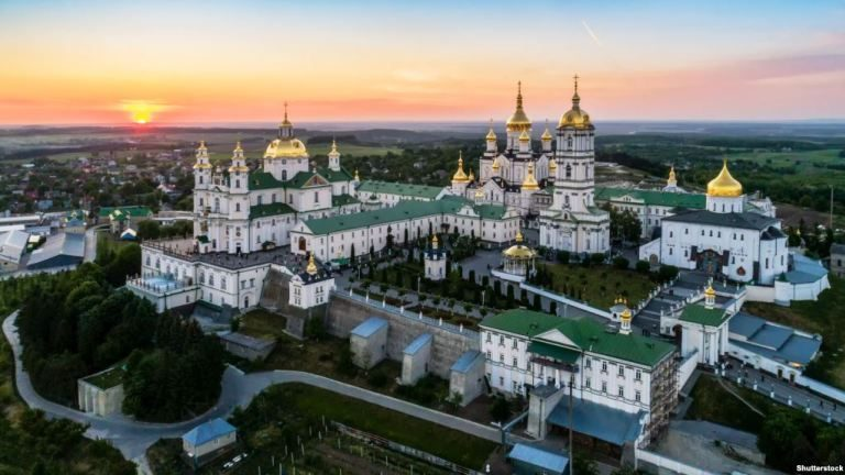 Metropolitan Vladimir of Chişinău's Open Letter to President Poroshenko on the Pochaev Lavra