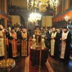 Les Roumains de Paris ont célébré la fête nationale roumaine à l'Arc de Triomphe et à la cathédrale métropolitaine