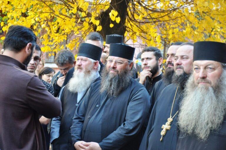 447 des 449 prêtres de Bucovine restent fidèles au métropolite Onuphre