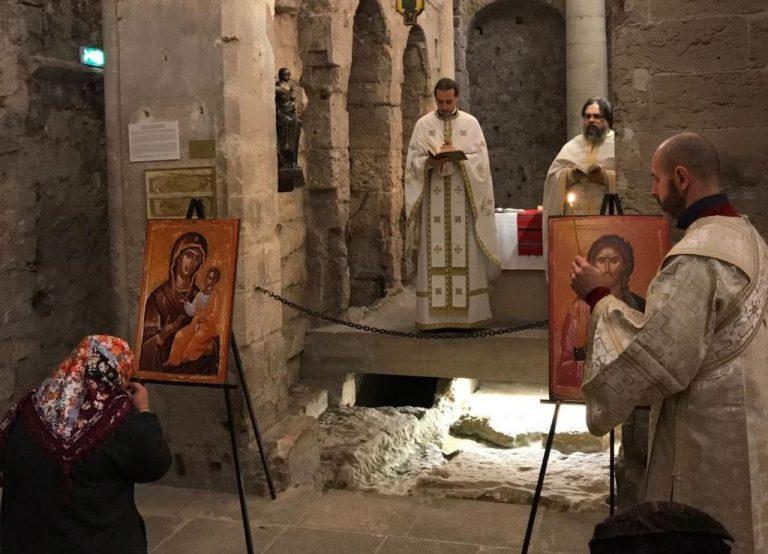 Le jour de la fête de saint Jean Cassien, des prêtres du diocèse d'Europe occidentale et méridionale du Patriarcat de Roumanie ont célébré la liturgie dans la crypte du monastère Saint-Victor de Marseille