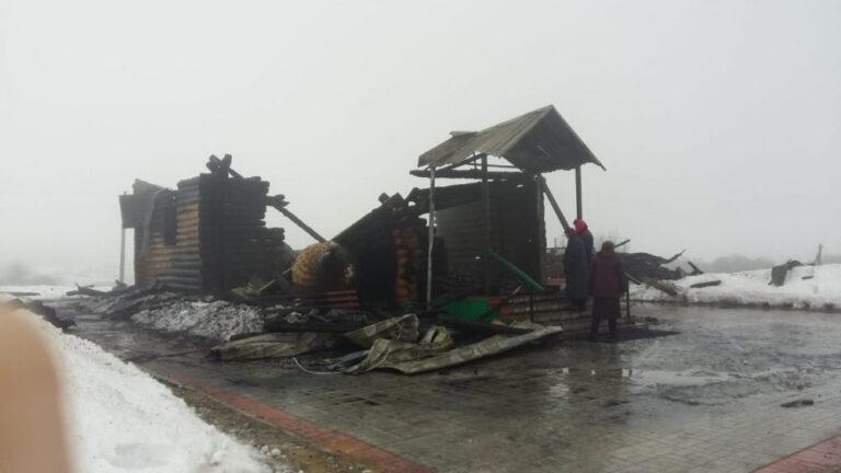 Les reliques d'un saint ont été miraculeusement épargnées par l'incendie dans une église de la région de Penza (Russie)