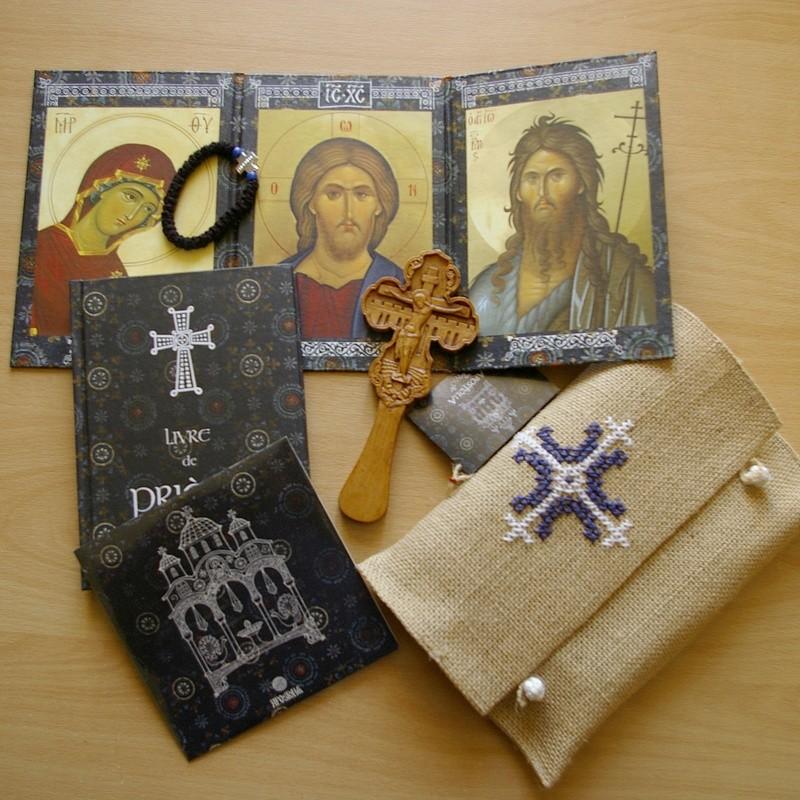 La « trousse de prière », une excellente initiative, par le hiéromoine Macaire de Simonos Petra
