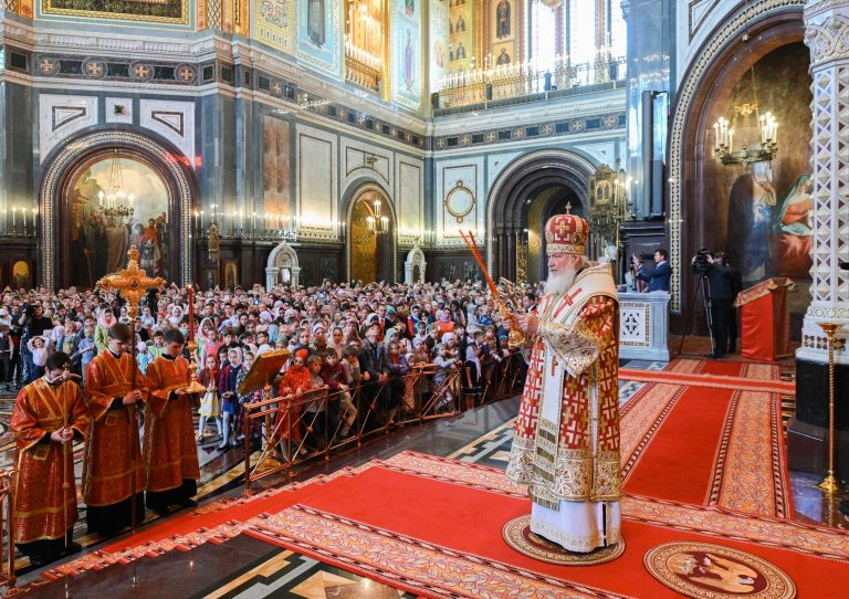 A choir of 450 children sang the patriarchal liturgy in Christ the Savior Cathedral