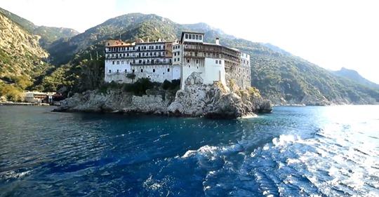 «Au Mont Athos, une opération de haut vol»