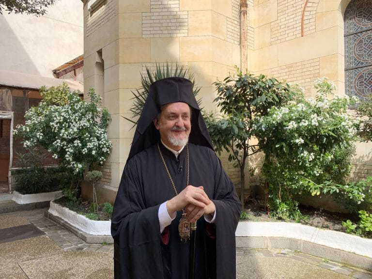 Le métropolite de France Emmanuel (Patriarcat œcuménique) ignorait que l'un de ses concélébrants à Kiev appartenait à la soi-disant « Église du Monténégro »