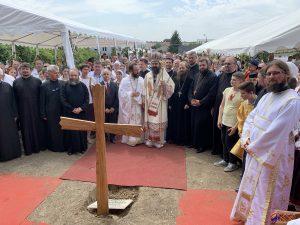 Bénédiction de la première pierre de la nouvelle église orthodoxe roumaine à Montreuil