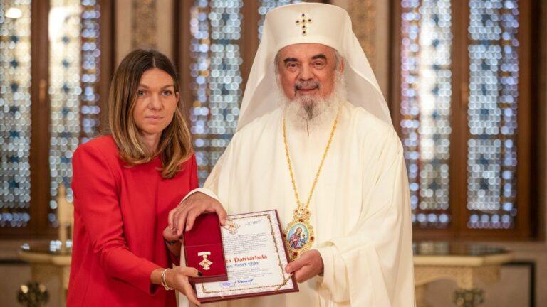 Tennis champion Simona Halep received distinction from Patriarch Daniel